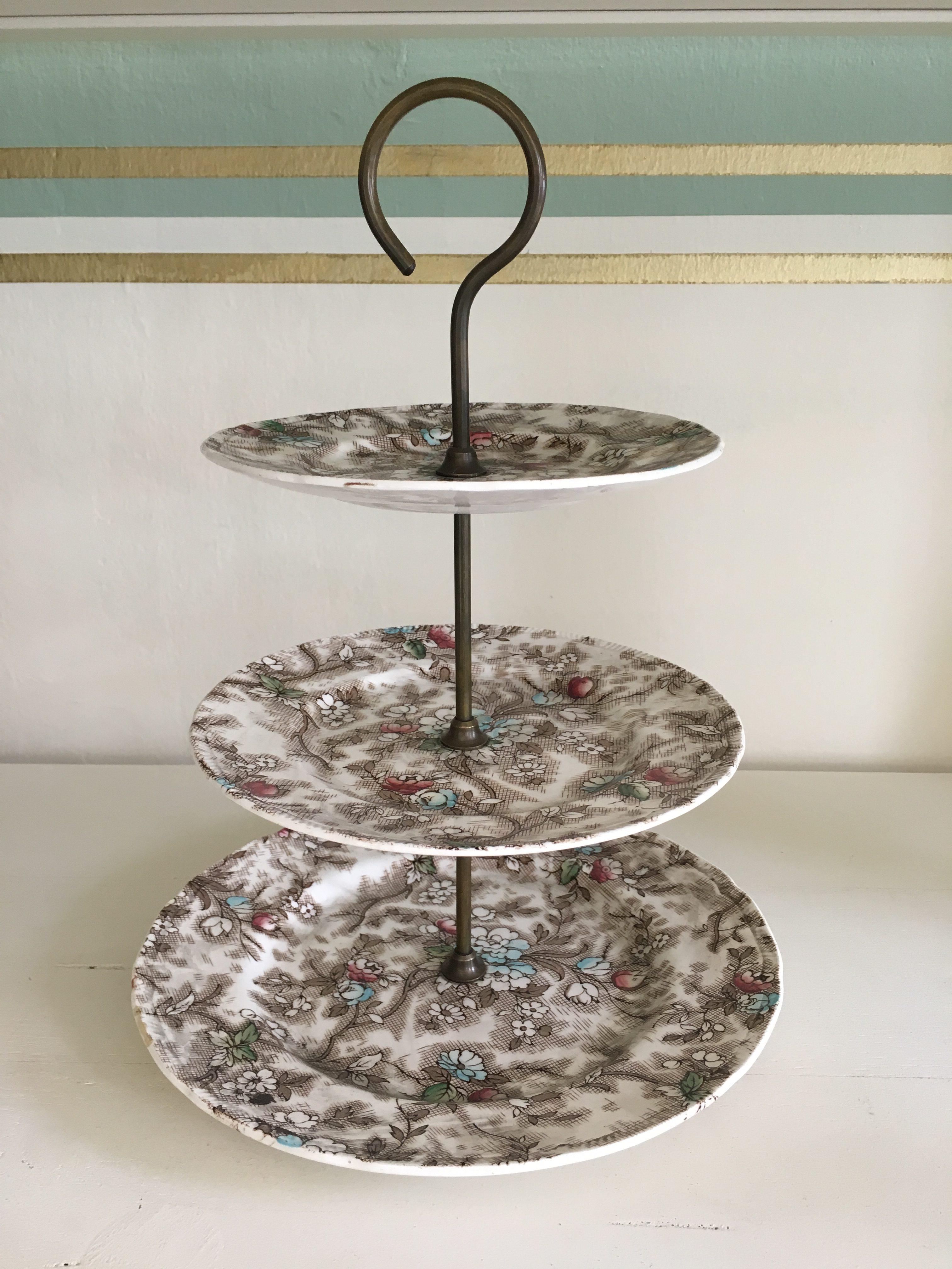 Alzatina per dolci in porcellana inglese - Roberto Radisa